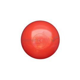 bolas rojas piscina